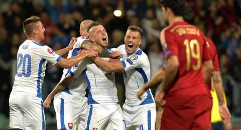 سلوفاكيا تدخل التاريخ بهزيمة اسبانيا وانتزاع صدارة المجموعة