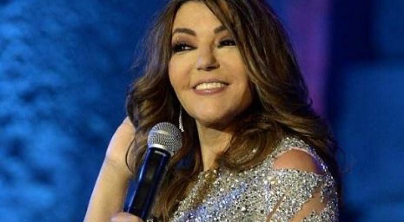 سميرة سعيد تروج لأغنيتها الخاصة بالمنتخب المغربي
