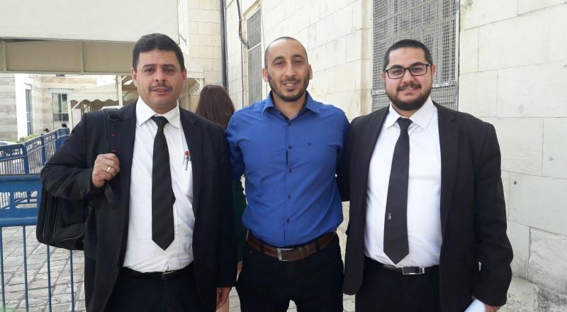 القدس: الصلح تلزم الصحافي ساهر غزاوي بخدمة الجمهور بتهمة التكبير بالاقصى