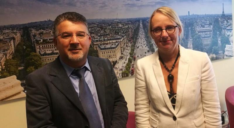 السفيرة الفرنسية تلتقي النائب جبارين وتستمع الى قضايا المواطنين العرب
