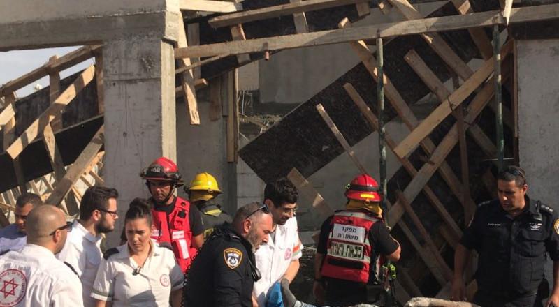النقب: اصابة 6 عمال جراءانهيار سقف مبنى قيد الانشاء في قرية السيد