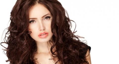 هل ترغبين في حلول طبيعية جديدة لاستعادة لمعان الشعر؟