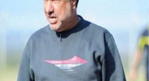 سمير عيسى هو المدرب الثالث للاحمر الفحماوي لهذا الموسم