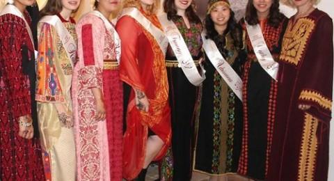 عرض ازياء مشترك لفتيات فلسطينيات واميركيات بالقدس