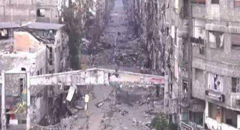 اليرموك: 2556 مسلحا مع ذويهم يغادرون المخيم