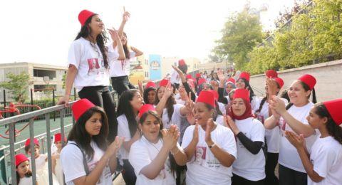 مؤسسة حدودنا السماء تنظم أكبر مهرجان فني تشكيلي في قرية طرعان بمشاركة الألاف