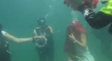 """""""حفل حنّاء"""" تحت الماء في إسطنبول"""