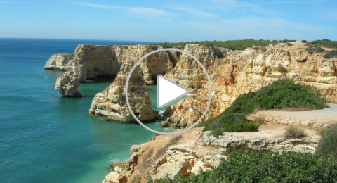 التشمس رائع في جنوب البرتغال... إنها ألغارف