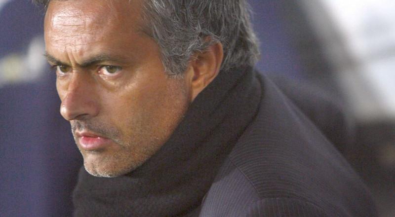مورينيو يصدم عشاق مانشستر يونايتد