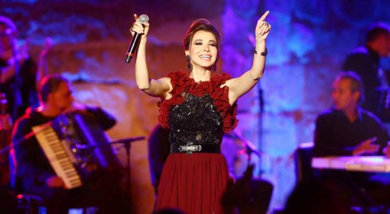 نانسي عجرم تحيي حفلًا في مهرجان قرطاج