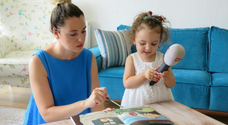 طفلة تركية تكلمت في شهرها السادس وتحفظ القرآن وتقرأ وتكتب