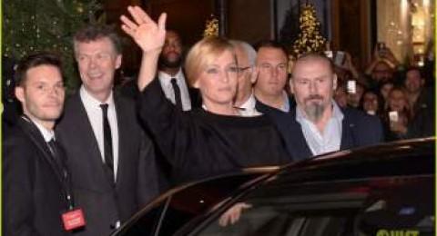 عدسات  الباباراتزي ترصد النجمة أوما ثورمان في باريس