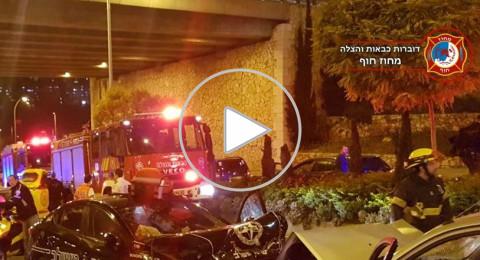 مطاردة شرطية تنتهي بحادث طرق، وفيديو يوثق اعتقال السائق!