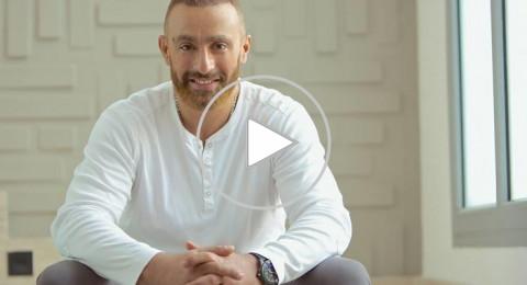 أحمد السقا يلقّن أحمد فهمي