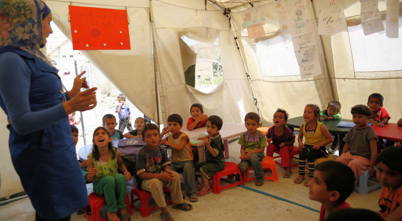 الصليب الأحمر: 80% من اللاجئين السوريين في لبنان يريدون العودة إلى بلادهم