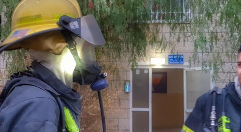 مظاهرة احتجاجية لعمال الاطفاء والانقاذ احتجاجا على انعدام الوسائل الواقية والمعدات المطلوبة لأداء عملهم