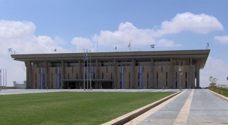 إسرائيل تعتمد الميزانية الجديدة بـ397 مليار شيكل.. 60 مليار منها للتعليم