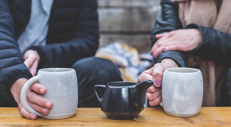أعدّوا القهوة الصباحية لزوجاتكم  .. لهذا السبب!