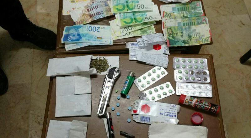 شرطة بيت لحم تقبض على شخصين من اخطر مروجي المخدرات وتضبط كميات منها