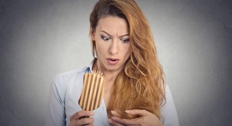 كيف أعالج تساقط شعري وجفافه بالأطعمة؟