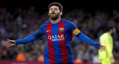 تعرف على مجموعة قمصان ميسي.. بينها لاعب عربي
