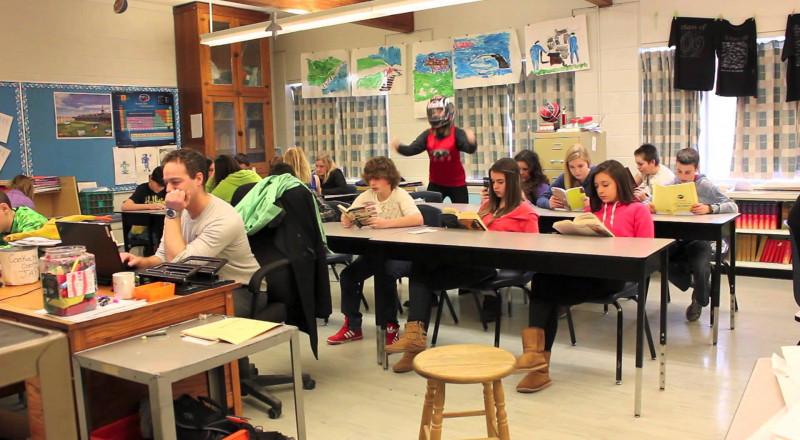 هل يحق للمعلمة إخراج طالب من الصف؟