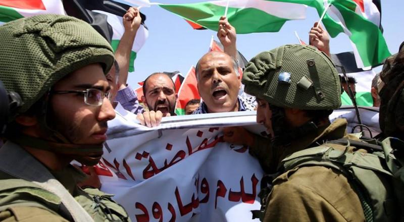 نابلس: مسيرة تضامنا مع الأسرى باتجاه حاجز حوارة