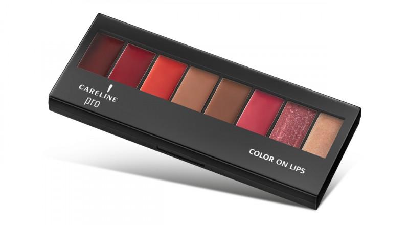 كيرلاين تعرض Color on lips