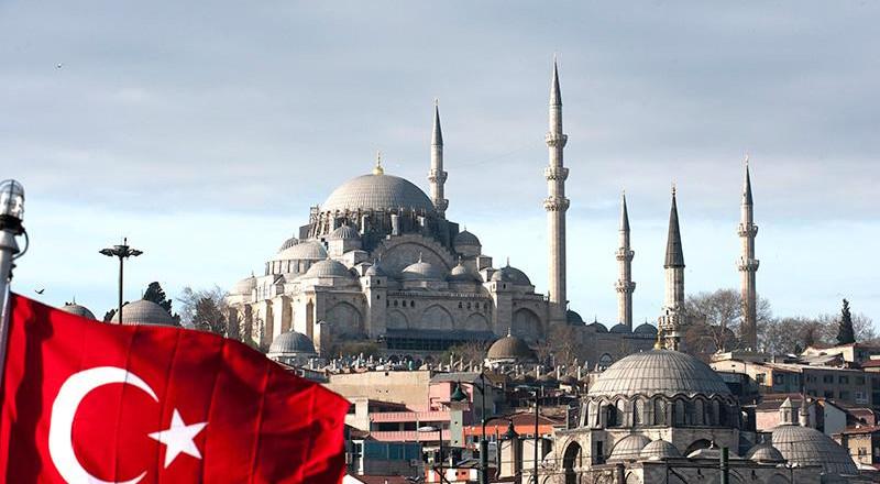 تركيا.. انقلاب حافلة سياح ومصرع 17