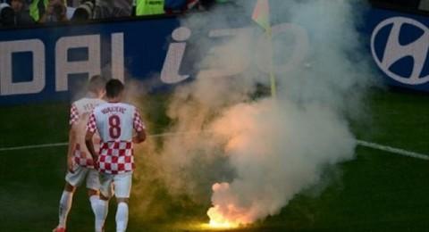 رئيسة كرواتيا تطالب بإجراءات حازمة بعد تصرفات مسيئة من الجمهور