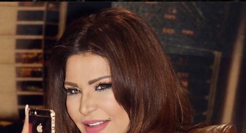 أحلام ترتدي في حلقة Arab Idol أكبر خاتم ألماسي في العالم!