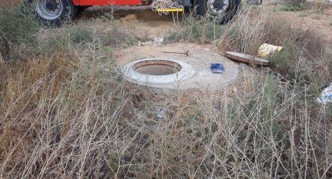 النقب: مصرع عامل واصابة آخر بعد ان سقطا في بئر