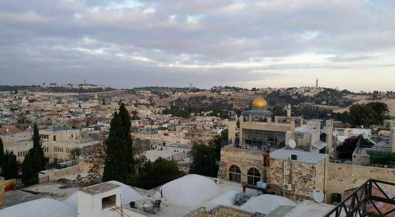 شخصيات مقدسية تحذر من نقل السفارة الامريكية الى القدس