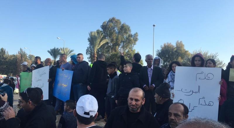 المئات في مظاهرة بقلنسوة: كفى لهدم البيوت!