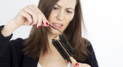طريقة تصفيف شعرك تؤثر على قوته