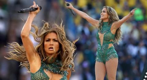 جينيفر لوبيز تشعل افتتاحية كأس العالم بفستان قصير
