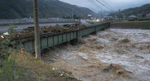 38 قتيلا و50 مفقودا بسبب الأمطار الغزيرة في اليابان