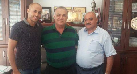 نائل عودة الحكم في الدرجة العليا يزور بلدية الناصرة
