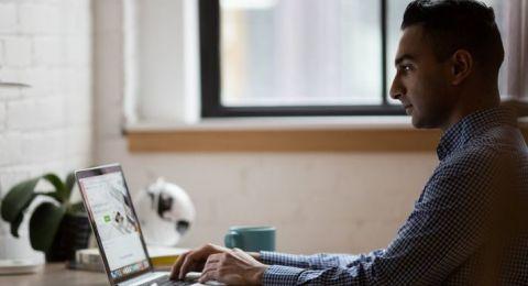28% من المتوجهين لتلقي مساعدة بسبب العنف في شبكة الانترنت ، عرب