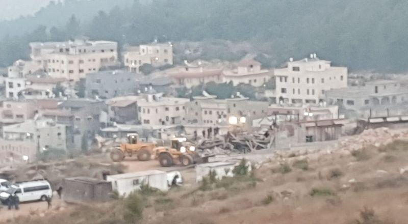 أم الفحم: الجرافات الاسرائيلية تهدم 4 منازل