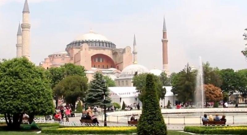 جولة في ساحة آيا صوفيا في اسطنبول