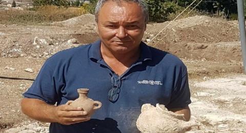 العثور على أوان فخارية كاملة عمرها 4000 سنة قرب الناصرة