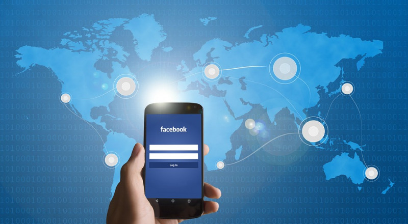 فيسبوك يطلق خدمة توصيل الطعام !