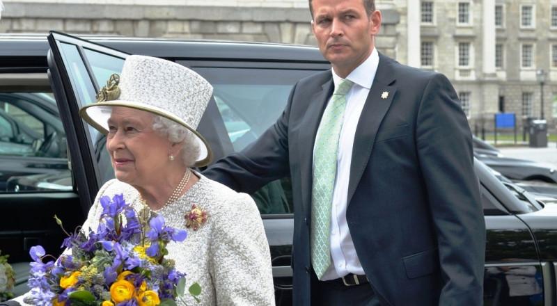 كم تبلغ ثروة الملكة إليزابيث الثانية؟