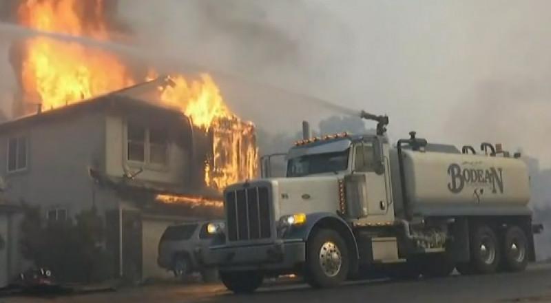 كاليفورنيا: 23 قتيلا على الأقل بسبب موجة الحرائق