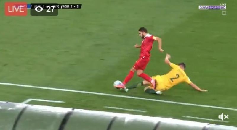 انتهاء مباراة المنتخب السوري والاسترالي، والنتيجة 2-1 لصالح الاخير