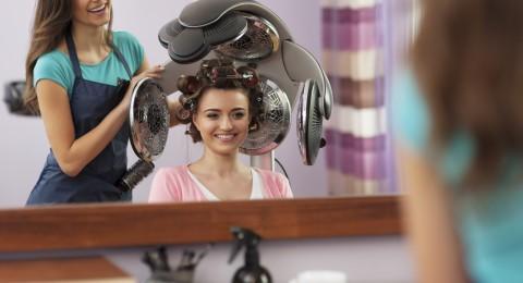 5 أشياء هامة يجب أن تخبريها لمصففة شعرك