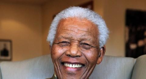 كتلة الجبهة تقدم التعازي في سفارة جنوب أفريقيا برحيل مانديلا