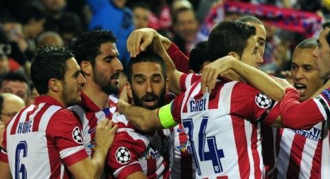 اتلتيكو مدريد يجدد فوزه على الميلان برباعية ويبلغ دور الثمانية