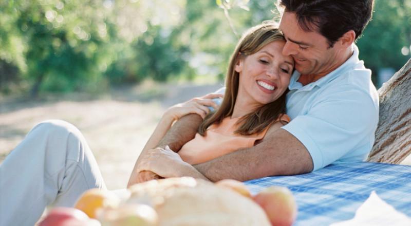 هذه هي نقاط الإثارة في جسم زوجك بحسب برجه!